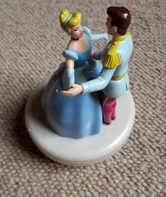 Disney Cinderella And Prince Charming Musical Dancing Couple • 4.50£