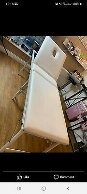 White Portable Beauty Couch • 14.70£