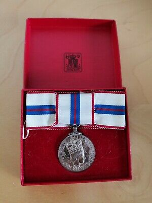 Queen's Silver Jubilee 1977 Medal With Box  • 72£
