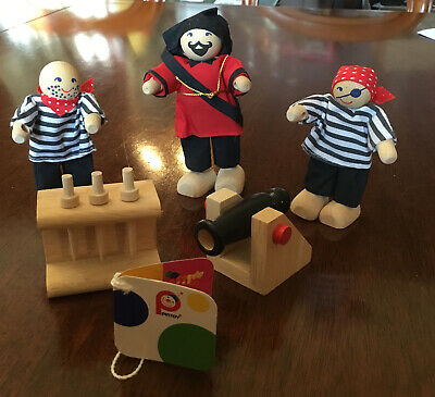 Pintoy Wooden Pirate Figures With Canon And Swords. BN  • 3.55£