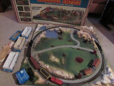 $ CDN382.76 • Buy Life Like HO Scale Railroad Empire Complete Train Set, Platform And Accessories