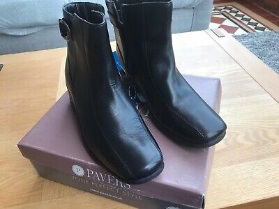 Pavers Womens Black Leather Boots Size 7 • 35£