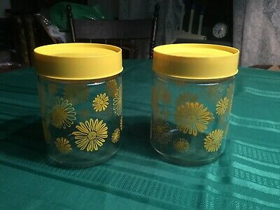 2 - CORNING Glass Vintage DAISIES Canisters Yellow Snap-on Lids Daisy Jars • 10.63£