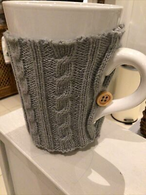 £9.99 • Buy Large White Mug With Grey Knitted Cable Sweater NEW