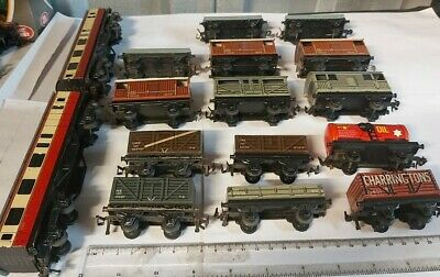 Collection Of Vintage TTR Trix Twin Railway Tinplate Wagons And Coaches • 15£
