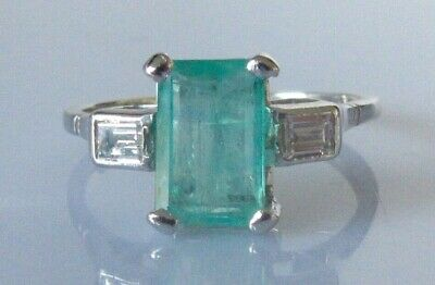 18ct Gold Ring - 18ct Gold Baguette Cut Emerald Diamond 3 Stone Ring Size O 1/2 • 475£
