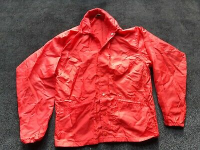 Red West Wind Cagoule Size Small • 2.50£