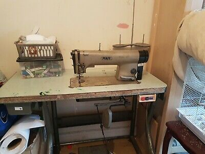 Pfaff Industrial Sewing Machine • 25£