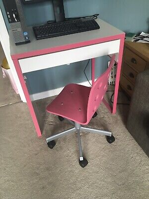 Girls Child's Desk And Chair Set • 5£