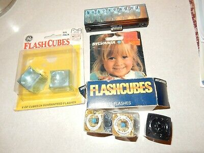 $6.98 • Buy Lot Of Vintage Sylvania  GE  Camera Flashbulbs Flash Bar Cubes