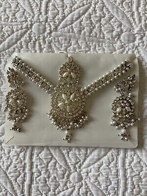 Indian Costume Jewellery Set - Silver & Pearl • 3.50£