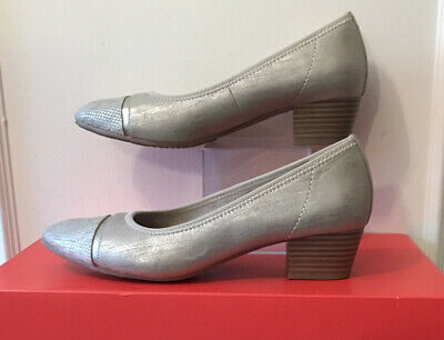 Jana Size 5 H Silver Faux Leather Heeled Wide Fit Court Shoes • 12.99£