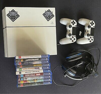 AU450 • Buy PS4 With Accessories And 10 Games