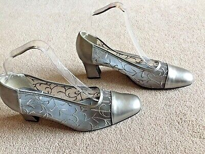 "CLARKS Pewter Leather Court Shoes Sz 5 1/2 Net Sides 2 1/2"" Heel EMBROIDERED • 11.99£"