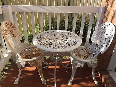 AU450 • Buy Vintage Cast Iron Table & 2 Chairs Outdoor Furniture , Garden Furniture