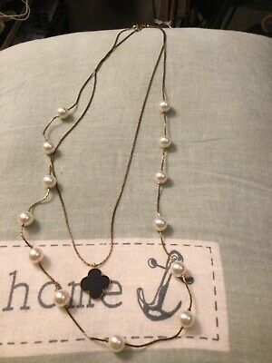 Imitation Pearl And Shamrock Costume Long Necklace Good Condition  • 1.50£