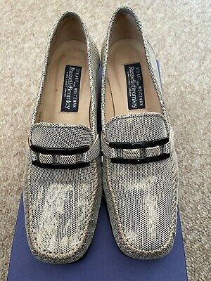 Stuart Weitzman Ladies Pewter Print Leather Shoes Size 7 (UK 4.5) • 15£