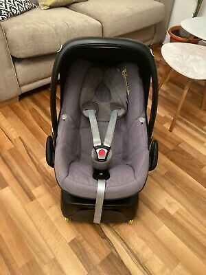 Maxi Cosi Pebble Car Seat And Isofix Base & Rain Cover  • 40£