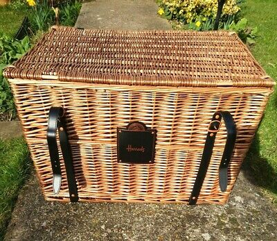 Harrods Wicker Hamper Picnic Storage Basket Coffee Table Large. • 31£