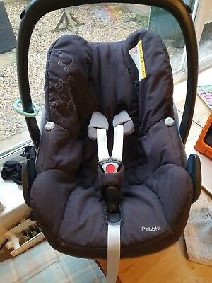 Maxi Cosi  Pebble  Car Seat BLACK Isofix Base And Rain Cover *USED* • 17.40£