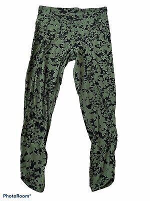 "$ CDN44.30 • Buy Lululemon Green Floral Efflorecent Barracks Crop 24"" Align Nulu Leggings 10"