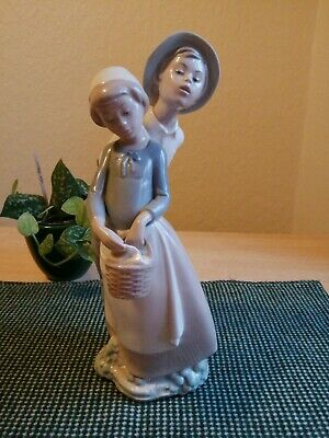 Large Nao Lladro Courting Couple Girl With Basket & Boy Figurine • 25£