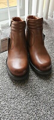 Mens Boots BNWT Size 7 (41) • 20£