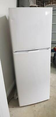 AU60 • Buy Westinghouse Fridge / Freezer