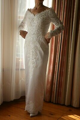AU69 • Buy Wedding Dress White Long Sleeve With Detachable Train Size 6