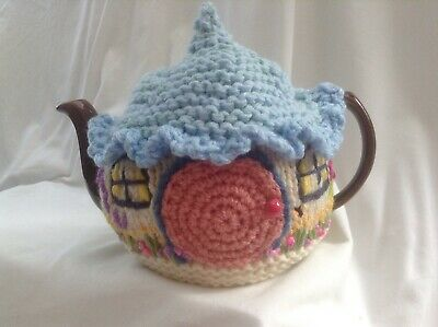 £14.99 • Buy New Handmade Crochet Hobbit Style Country Cottage Tea Cosy M / L Teapot Cover