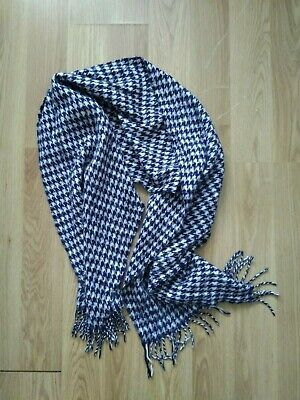£2 • Buy Large Scarf Blue White Houndstooth Pattern