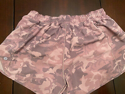 $ CDN57 • Buy Lululemon Hotty Hot Short II Size 12 Camo Pink Taupe Multi Navy 4in