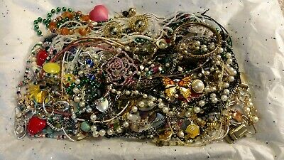 $ CDN24.20 • Buy Jewerly Lot LBS  Vintage - Now Junk Drawer Harvest Crazy Unsearched Untested