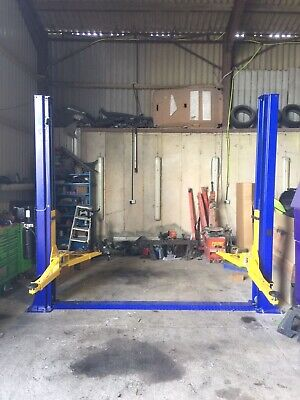 2 Post 5000kg   Lift  Including Delivery 1800 • 1,800£