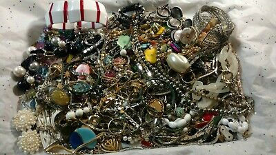 $ CDN25.11 • Buy Huge Vintage Now Estate JUNK DRAWER Jewerly Lot Harvest Craft LBS Jewerly