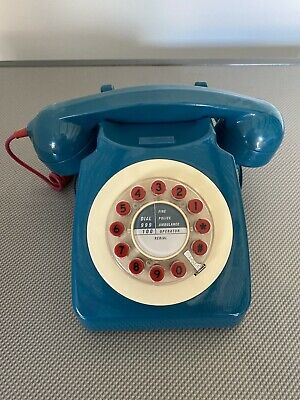 Wild And Wolf Retro Telephone-Fully Working • 8.10£