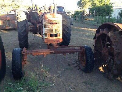 AU3300 • Buy Vintage Tractor Farmall   H Wide Front