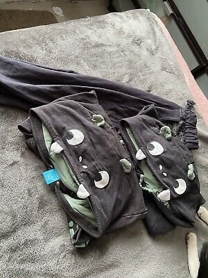 £5 • Buy Boys Dinosaur Tracksuit Two Hoodies And One Bottom 5-6/6-7