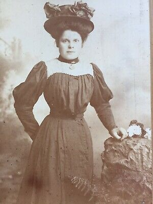 Cabinet Photo Pretty Young Woman Fashion Hat Dress By Wakefield Of Ealing    • 1.50£