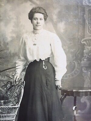 Cabinet Photo Pretty Young Woman Fashion Skirt  A & G Taylor Of Stockton On Tees • 1.50£