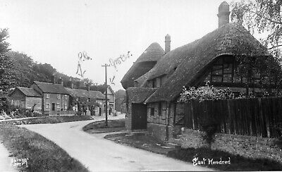 EAST HENDRED - Berkshire - Real Photo Postcard (E260) • 4.25£