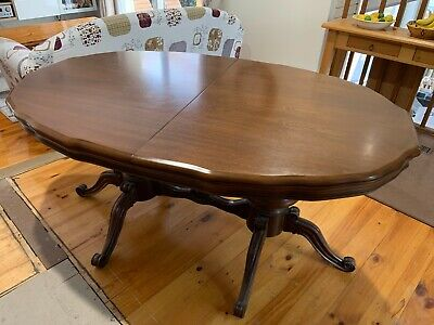 AU0.99 • Buy Antique Extendable Oval Dining Table MUST BE SOLD