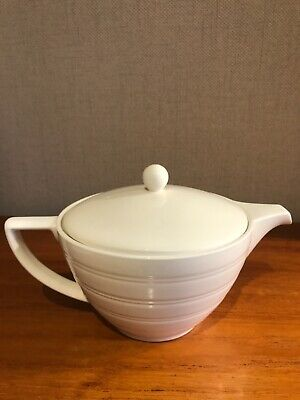 £30 • Buy Jasper Conran At Wedgwood 1Litre Ivory White Strata Teapot VERY Good Condition.
