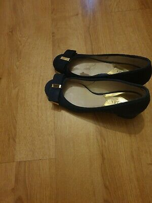 £30 • Buy Mickhael Kors Navy Blue Shoes 37 EU Size  Used Condition