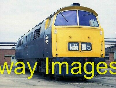 £2 • Buy Railway Photo - Western Courier At Swindon Works - 1976  Class 52 Western