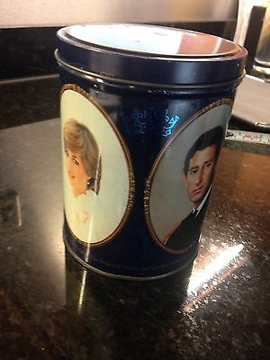 £7 • Buy Prince Charles And Lady Diana Commemorative Tin.