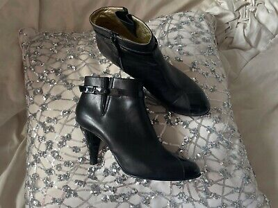 £325 • Buy Chanel Ladies Ankle Boots Size UK 6 / EU 39  100% Leather In Black Made In Italy