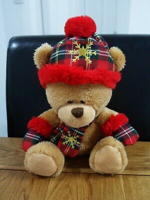£6.99 • Buy Keel Toys Scottish Pipp The Bear In Red Tartan Hat, Scarf & Mittens Soft Toy
