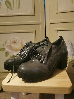 £1.99 • Buy Grey Patent/Suede Brogue Ankle Boots. Size 6. Never Been Worn.