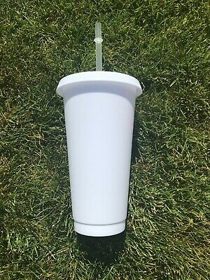 £4 • Buy Matt White 24oz Cold Cup - With Glossy Lid And Straw